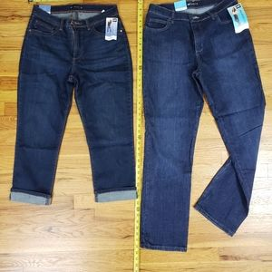 2 new pairs of Lee jeans straight leg/ capris